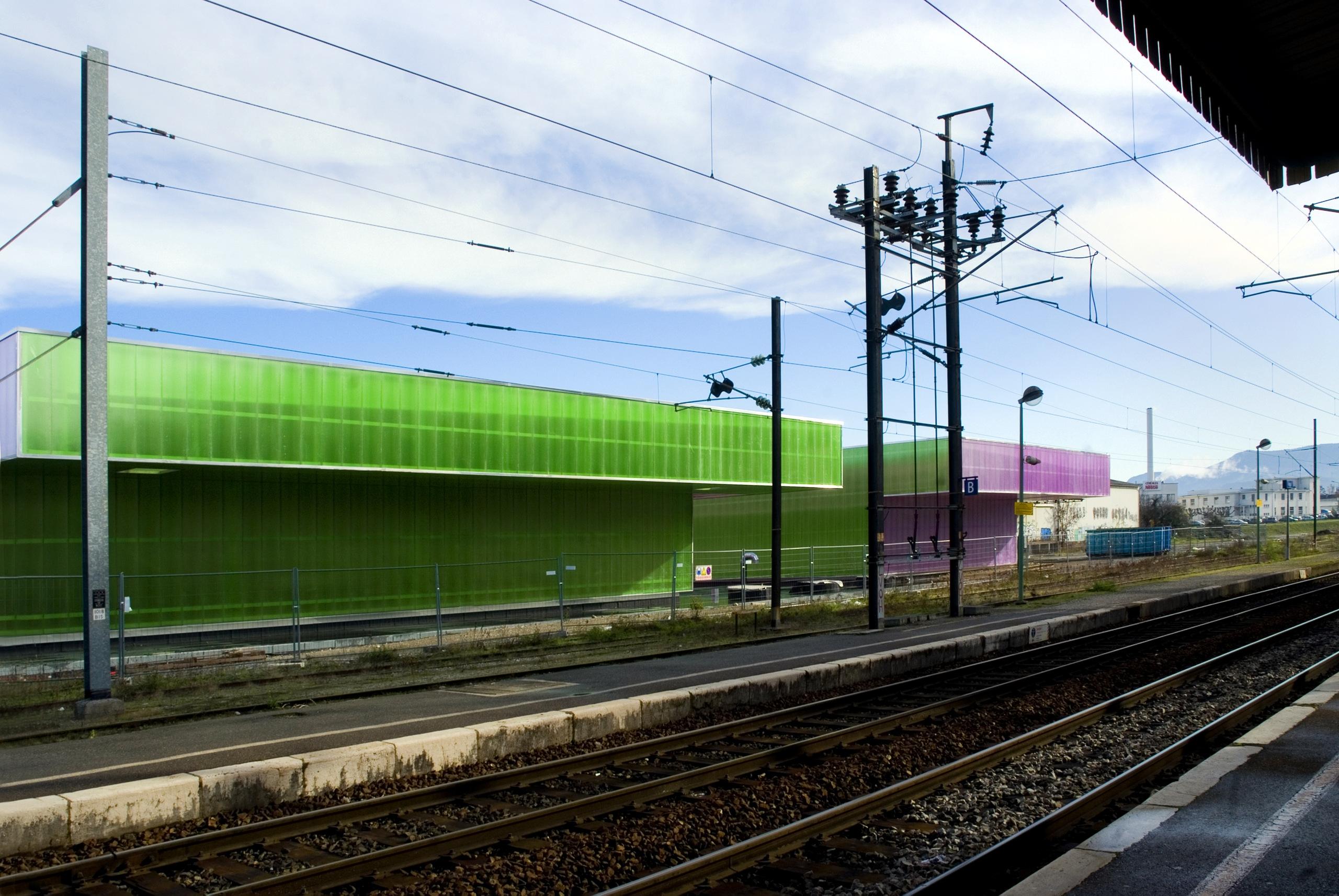 Gymnase de Monéry, rue de l'Industrie, Rumilly, Architecte Philippe Guyard, 2010.